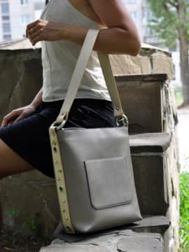 Стильная сумка, модель 191694 бронза. Изображение товара, вид спереди.