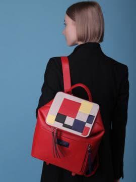 Женский рюкзак, модель 190072 красный. Изображение товара, вид сбоку.