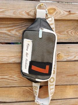 Фото товара: сумка на пояс 200283 чорний. Вид 1.