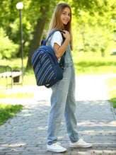 Модный рюкзак с вышивкой, модель 181462 синий. Изображение товара, вид спереди.