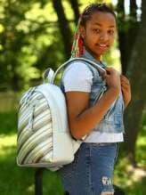 Модный рюкзак с вышивкой, модель 181463 серебро. Изображение товара, вид спереди.