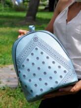 Стильный рюкзак, модель 191572 голубой-перламутр. Изображение товара, вид спереди.