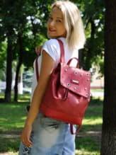Стильный рюкзак, модель 191582 красный. Изображение товара, вид спереди.