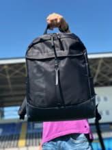 Стильный рюкзак, модель 191603 черно-синий. Изображение товара, вид спереди.
