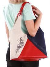 Летняя сумка с вышивкой, модель 190383 сине-красный. Изображение товара, вид спереди.
