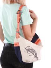 Стильная сумка с вышивкой, модель 190391 синий-оранжевый. Изображение товара, вид спереди.