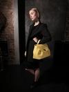 Стильная сумка, модель 190008 желтый. Фото товара, вид сбоку.